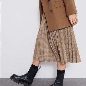 Zara pleated midi skirt tan plaid bloggers fav